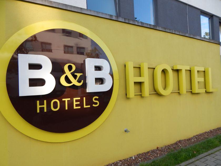 Günstige Hotels Übernachtung sparen