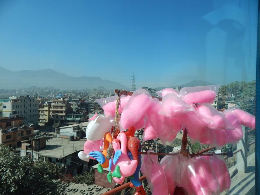 Kathmandu mit Zuckerwatte